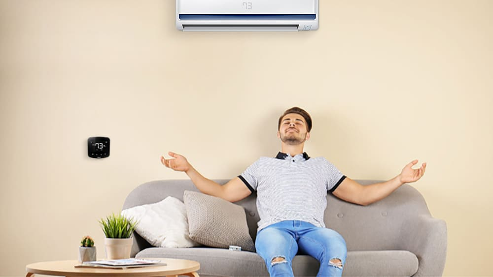 Maintain the perfect temperature with Cielo Breez Plus.