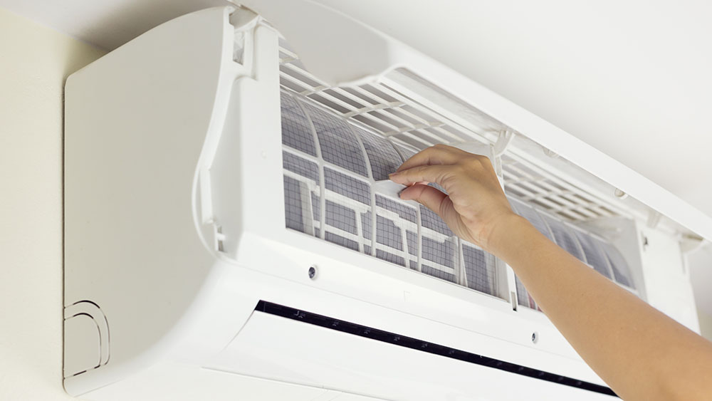 Air conditioner problems solutions like dirty AC filter.